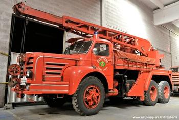 #9189 Camion-grue Magirus, châssis Berliet, Sapeurs-pompiers, Yvelines (78). Photographie Sybarts - 2015