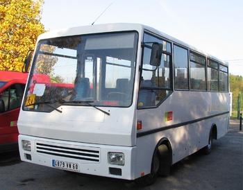 <h2>Véhicule de transport de personnel - Clermont-de-l'Oise - Oise (60)</h2>