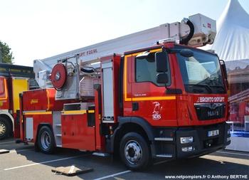Camion bras élévateur articulé, Sapeurs-pompiers, Calvados (14)