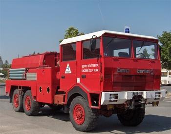 <h2>Camion-citerne pour feux de forêts - Lussac - Vienne (86)</h2>