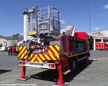 Camion bras élévateur articulé, Sapeurs-pompiers, Vendée (85)