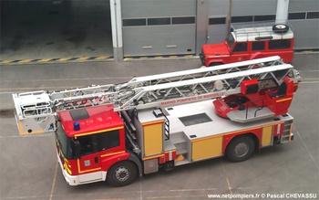 Echelle pivotante, Marins-pompiers de Marseille, Bouches-du-Rhône (13)