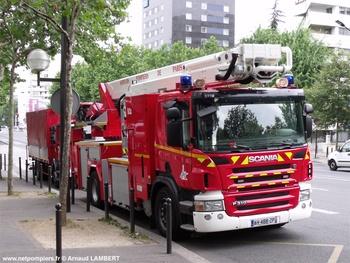 <h2>Camion bras élévateur articulé -  ()</h2>