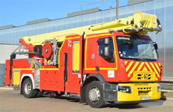Camion bras élévateur articulé, Sapeurs-pompiers, Ain (01)