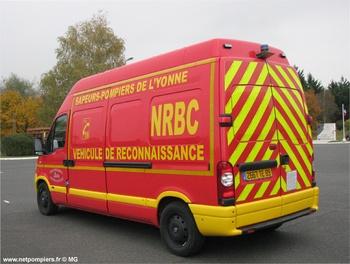 Véhicule pour interventions à risques technologiques, Sapeurs-pompiers, Yonne (89)
