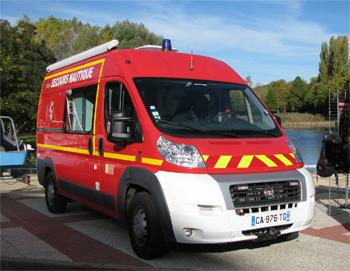 <h2>Véhicule de secours nautique - Creil - Oise (60)</h2>