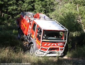 <h2>Camion-citerne pour feux de forêts - Quinson - Alpes-de-Haute-Provence (04)</h2>