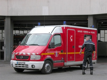 <h2>Véhicule de secours et d'assistance aux victimes - Versailles - Yvelines (78)</h2>