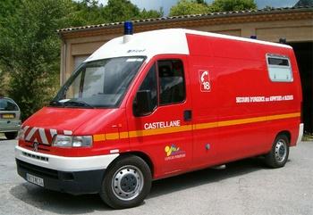 <h2>Véhicule de secours et d'assistance aux victimes - Castellane - Alpes-de-Haute-Provence (04)</h2>