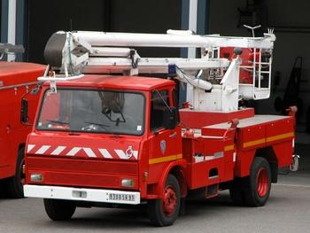 <h2>Camion bras élévateur articulé - Cerny/La Ferté-Alais - Essonne (91)</h2>