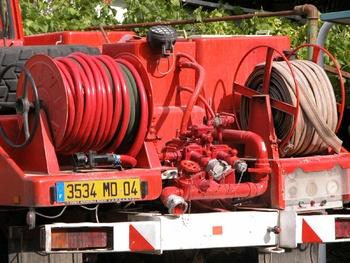 <h2>Camion-citerne pour feux de forêts - Cereste - Alpes-de-Haute-Provence (04)</h2>