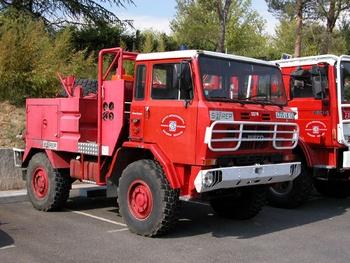 <h2>Camion-citerne pour feux de forêts - Allauch - Bouches-du-Rhône (13)</h2>
