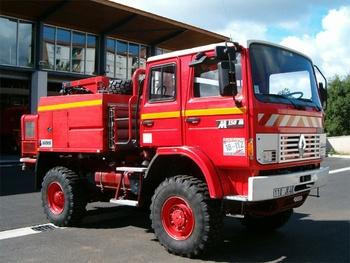 <h2>Camion-citerne pour feux de forêts - Figeac - Lot (46)</h2>
