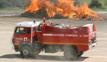 <h2>Camion-citerne pour feux de forêts - Cotignac - Var (83)</h2>