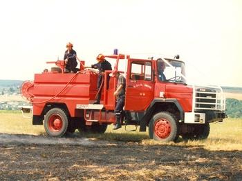 <h2>Camion-citerne d'incendie - Clamecy - Nièvre (58)</h2>