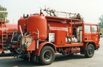 Véhicule mousse poudre, Service de sécurité incendie, Rhône (69)