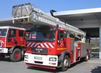 Camion bras élévateur articulé, Sapeurs-pompiers, Marne (51)