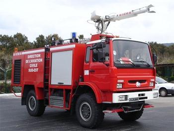 Véhicule pour interventions aéroportuaires, Service de sauvetage et de lutte contre l'incendie des aéronefs, Var (83)