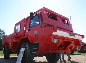 Camion-citerne pour feux de forêts, Armée de terre, Var (83)