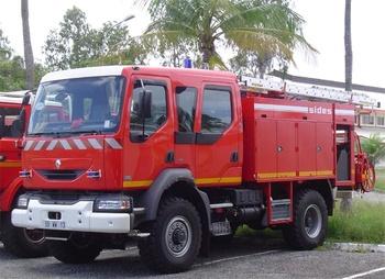<h2>Camion-citerne d'incendie - Sinnamary - Guyane (973)</h2>