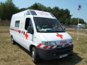 <h2>Véhicule de secours et d'assistance aux victimes - Cazaux - Gironde (33)</h2>