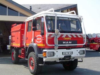 <h2>Camion-citerne pour feux de forêts - Doue-la-Fontaine - Maine-et-Loire (49)</h2>