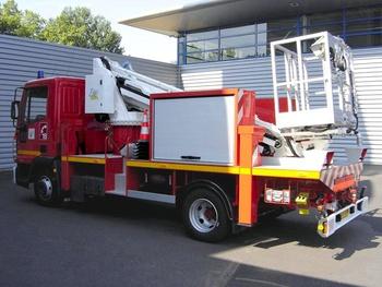 <h2>Camion bras élévateur articulé - Brive-la-Gaillarde - Corrèze (19)</h2>