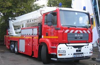 <h2>Camion bras élévateur articulé - Savigny-le-Temple - Seine-et-Marne (77)</h2>
