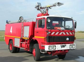 Véhicule pour interventions aéroportuaires, Service de sauvetage et de lutte contre l'incendie des aéronefs, Oise (60)