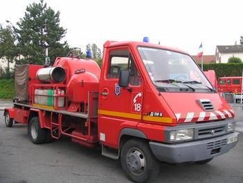 Véhicule mousse poudre, Sapeurs-pompiers, Val-d'Oise (95)