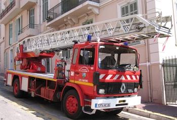 Echelle pivotante, Sapeurs-pompiers, Alpes-Maritimes (06)