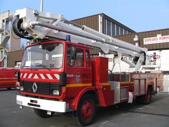 Camion bras élévateur articulé, Sapeurs-pompiers, Val-d'Oise (95)