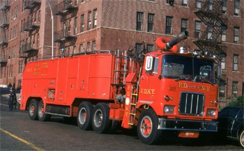 Supertender des pompiers de New-York