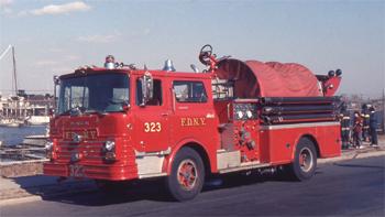 Fourgon-pompe Mack CF de New York (FDNY)