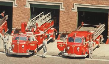 Engin-pompe et échelle sur châssis American LaFrance 700