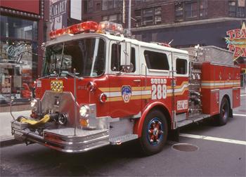 Fourgon-pompe Mack CF/Ward 79 de 1989 reconverti pour la Squad 288
